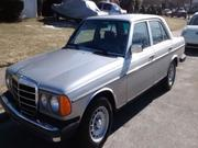 Mercedes-benz 1982 Mercedes-Benz 200-Series NON TURBO DIESEL